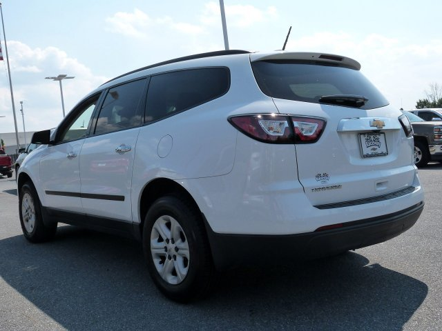 Certified Pre-Owned 2017 Chevrolet Traverse LS
